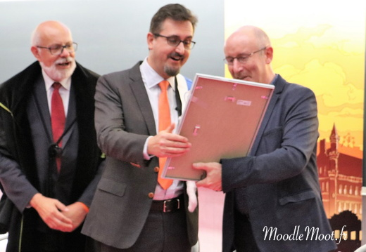 Honoris Causa (106)