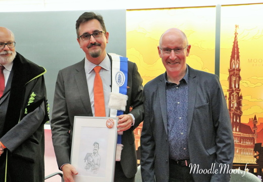 Honoris Causa (111)